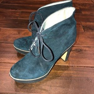 Women's size 8 suede Michael kors ankle boots